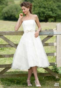 1329742120_constanza-short-wedding-dress